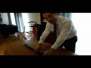 O Άδωνις παίζει με τα τρενάκι - Λιποθυμήστε από το γέλιο (video)