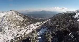 Η Πάρνηθα στα λευκά και από... ψηλά (video)