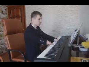 Άνδρας χωρίς χέρια παίζει πιάνο και ...  μαγεύει! (video)