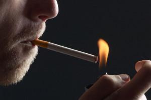 """O """"άρχοντας"""" του τσιγάρου! (video)"""