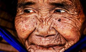 Γυναίκα 100 ετών, γίνεται… 20 μέσα σε 3 λεπτά! (video)