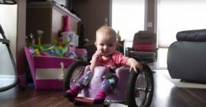 Έφτιαξε στην κόρη του μόνος του αναπηρικό αμαξίδιο και συγκλόνισε τον κόσμο! (photos)