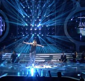 Τραγούδησαν Άννα Βίσση στο αλβανικό YFSF και έλουσαν με σαμπάνιες (vid)