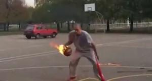 Πιάνει φλεγόμενη μπάλα και βάζει καλάθι! (vid)