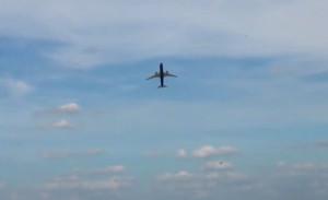 Δεν έχετε δει ποτέ τέτοια απογείωση αεροπλάνου... (video)