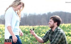 Έκανε πρόταση γάμου στην αγαπημένη του και μετά... στην αδερφή της!