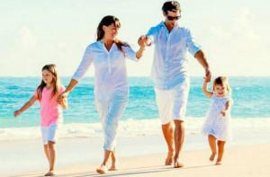 Πόσα θα πληρώσει μια τετραμελή οικογένεια για μία εβδομάδα οικονομικών διακοπών στις Κυκλάδες!