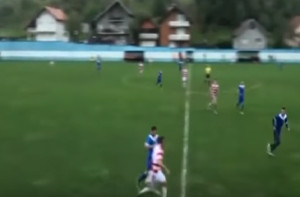 Ποδοσφαιριστής έχασε τον όρχι του από τάκλιν αντιπάλου! (video)