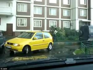 Η χειρότερη προσπάθεια για παρκάρισμα που έχει γίνει ποτέ (video)