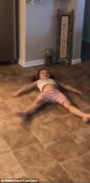 Οι γονείς έκαναν μια απίστευτη φάρσα  στο παιδί τους (video)