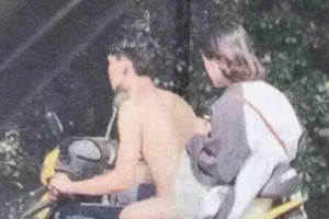 Είναι... γυμνός ο καμικάζι; Η φωτογραφία που τρελαίνει το διαδίκτυο... (photo)