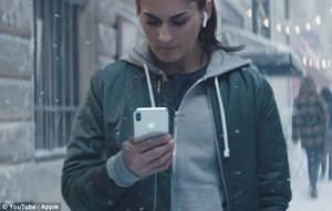 Η Apple έκανε διαφήμιση για τα Χριστούγεννα! (video)