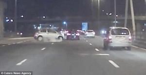 Απέφυγαν το ατύχημα τελευταία στιγμή (video)