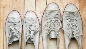 Πώς θα κάνετε τα πάνινα παπούτσια να λάμψουν ξανά!
