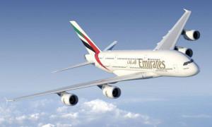 Το χριστουγεννιάτικο αεροπλάνο της Emirates είναι γεμάτο διαμάντια! (photo)