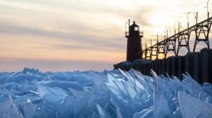 Απίστευτο θέαμα: Η λίμνη του Michigan, έχει μετατραπεί σε παγωμένους κρυστάλλους! (photos)