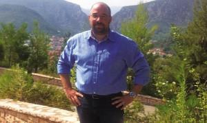 Ευσυνείδητος οδηγός λεωφορείου του ΚΤΕΛ Κιλκίς βρήκε και παρέδωσε τσαντάκι με 5.500 ευρώ στον Αφγανό ιδιοκτήτη του! (photos)