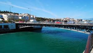 Χαλκίδα: Δεν άντεξε τη γκρίνια της και την πέταξε από τη γέφυρα! (photo)