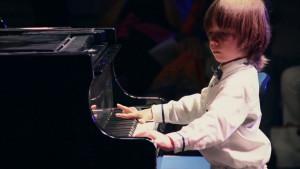 Ο Στέλιος Κερασίδης είναι ο νεότερος Έλληνας που έχει δώσει συναυλία στη Νέα Υόρκη- Δε φαντάζεστε πόσο χρονών είναι! (video)