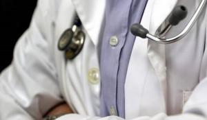Τα επτά πιο απίθανα πράγματα που έχουν βρει οι γιατροί μέσα σε αυτιά ασθενών