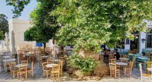 Το ελληνικό νησί που προτείνουν οι New York Times για μοναχικές διακοπές (photos)