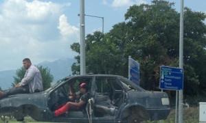 Τρελό γέλιο! Δεν θα πιστεύετε πώς κινείται αυτό το αυτοκίνητο! (photo)