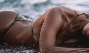 Ελληνίδα πρώην Survivor κολάζει με τις πόζες της και της καμπύλες της (photos)