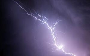Κακοκαιρία: Νεκρός 35χρονος από χτύπημα κεραυνού - «Πνίγεται» η Ηλεία
