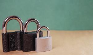 Έτσι θα ξεκλειδώσετε το λουκέτο σας, αν χάσετε το κλειδί (video)