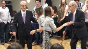 Στα 100στα του γενέθλια χόρεψε και έκανε χαμό σε disco (photos+video)