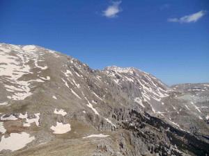 Καιρός: Επεσε το πρώτο χιόνι στις κορυφές του Παρνασσού (photo)