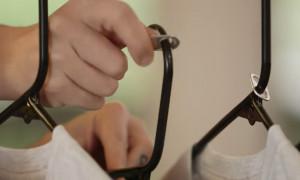 Βάζει το καπάκι του αναψυκτικού στην ντουλάπα - Θα το κάνετε κι εσείς! (video)