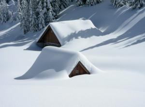 Καιρός: «Βιομηχανικό χιόνι...». Τι είναι το σπάνιο φαινόμενο που ντύνει στα λευκά βιομηχανικές πόλεις (Photo)