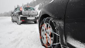 Πώς να βάλετε αλυσίδες στο αμάξι… λάθος! (video)