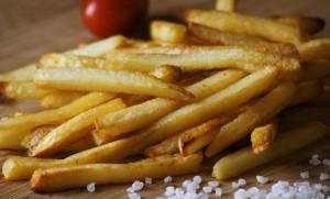 Εσείς ξέρετε ποιο είναι το απόλυτο κόλπο για τις πιο τραγανές τηγανιτές πατάτες; (photos)