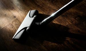 Αυτά είναι τα τεράστια λάθη με την ηλεκτρική σκούπα - Τι δεν πρέπει να σκουπίζουμε (photos)