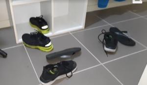 Πήγε να φορέσει τα παπούτσια του και έπαθε το σοκ της ζωής του! Τι κρυβόταν μέσα; (video)