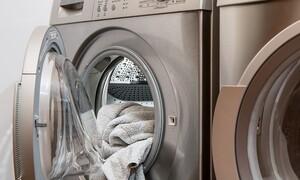 Έτσι θα σκοτώσετε τα μικρόβια στο πλυντήριο μ' ένα υλικό που έχετε στην κουζίνα σας (photos)