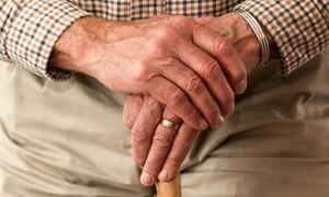 Απίστευτη δήλωση ηλικιωμένου: «Θα πεθάνω από τη γυναίκα μου» (video)