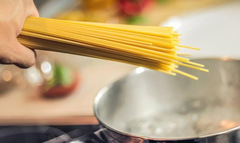 Αυτό είναι το λάθος που κάνουμε όταν μαγειρεύουμε μακαρόνια (photos)