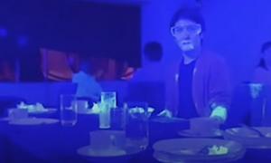 Αποκάλυψη! Πείραμα δείχνει πόσο γρήγορα μεταδίδεται από έναν άνθρωπο ο ιός (video)