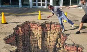 «Ζωντανεύει» τα πεζοδρόμια με τον πιο απίστευτο τρόπο (photos)