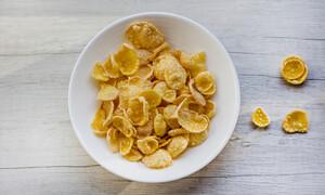 6 τροφές που πρέπει να αποφεύγετε στο πρωινό (εικόνες)