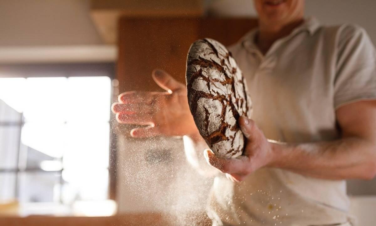 Έχετε μπαγιάτικο ψωμί; Έτσι θα το κάνετε και πάλι φρέσκο (photos)