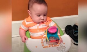 Οι απίθανες αντιδράσεις μωρών όταν βλέπουν ένα καινούριο παιχνίδι