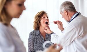 Απλό κρυολόγημα ή λοίμωξη από στρεπτόκοκκο; Ξεχωρίστε τα από τα συμπτώματα (εικόνες)