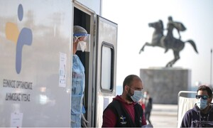 Κορονοϊός: Lockdown σε Θεσσαλονίκη και Σέρρες ανακοίνωσε ο Πέτσας