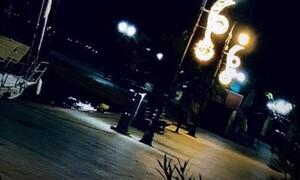 Εύβοια: Στα «κάγκελα» οι πολίτες της Χαλκίδας με τον στολισμό στην παραλία (pics)