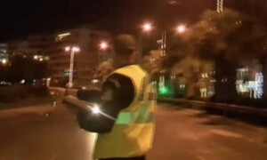 Ποσειδώνος: Οδηγός παραλίγο να παρασύρει αστυνομικό για να γλιτώσει τον έλεγχο (video)