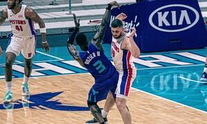 NBA: Απίστευτη εναλλαγή κατοχών σε ένα λεπτό αγώνα, χωρίς αποτέλεσμα (video)